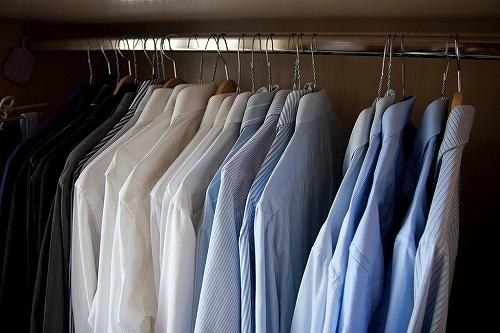 ワキ汗を抑えて白シャツの脇下の黄ばみがつかなくなる方法